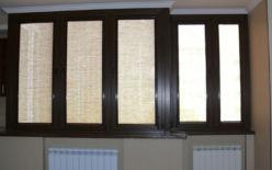 Кассетные рулонные шторы коричневые